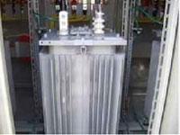 油入変圧器(T)
